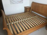 Willis and Gambier oak king size bed