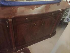 Sideboard Italian glossy can deliver