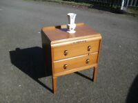Lovely Super Clean Small Oak 50's 60's Era Chest Of Drawers
