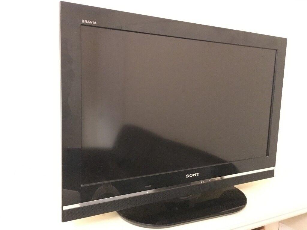 Full HD Sony Bravia 32 inch TV 2009 - with Built-In HD Tuner   in Romford,  London   Gumtree