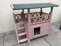 Outdoor cat house or small dog kennel