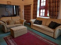 3 & 2 -seater Settees