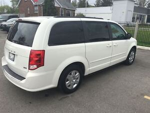 2012 Dodge Grand Caravan SXT Great Family Vehicle !!!!!! London Ontario image 6