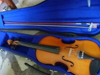 1/2 size violin outfit -very good condition, plays beautifully, lovely gift