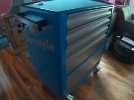 Unior Eurostyle tool carriage plus 3 Drawers with tools.