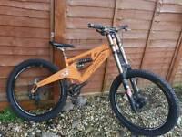 Orange Patriot full suspenison DH bike fox 40s ZEE hope not five four giant boardman trek