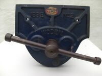 """Vintage Woden 189B No2 Quick Release woodworkers Vice 9"""" jaws."""