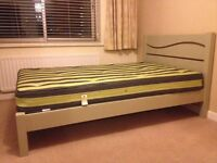 Wooden Queen size bed. Hardly used, brilliant con