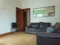 SPACIOUS ONE BEDROOM, GROUND FLOOR FLAT * £625 PCM, CLIVE ROAD, CANTON. Available 1st MAY!