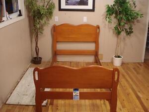 """""""Vilas"""" Single Bed"""