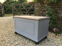 Solid wood ottoman / blanket box / storage chest ***STUNNING COUNTRY CHIC***