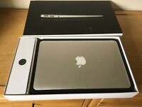 Macbook Air 11.6 / 1.6GHz / 4GB / 128GB Flash Storage. Excellent condition. Fully working.