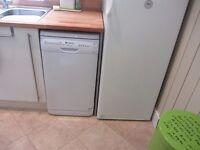 Hotpoint Aquarius slimline dishwasher white