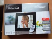 Used Digital Photo Frame in Original Packaging For Sale