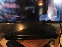 "40"" Samsung HD LED TV and Sony Blue Ray player"
