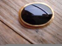 9ct Gold Black Jet Brooch