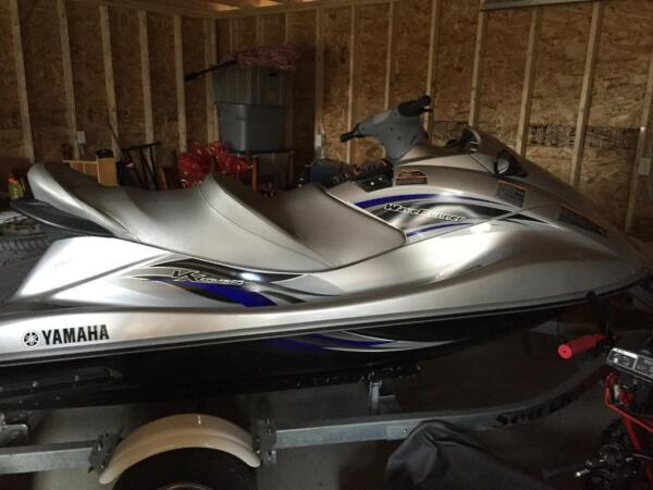 Used 2013 Yamaha wave runner XL