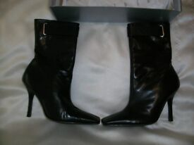 Aldo real leather boots size 6