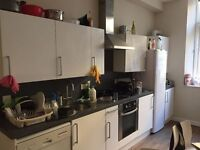 Sub-letting ensuite bedroom over summer in high quality accomodation - STUDENTS ONLY