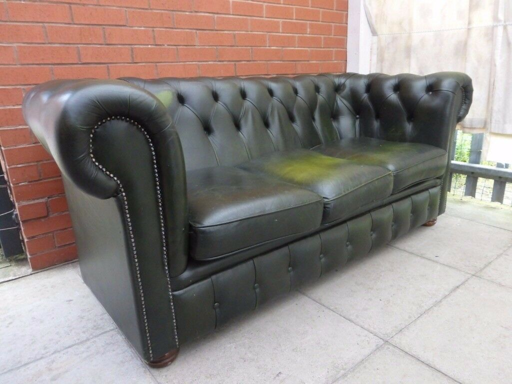 A Dark Green Leather Chesterfield Three Seater Sofa Settee