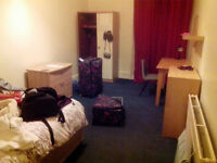 Lovely double room in female flatshare in Hillhead