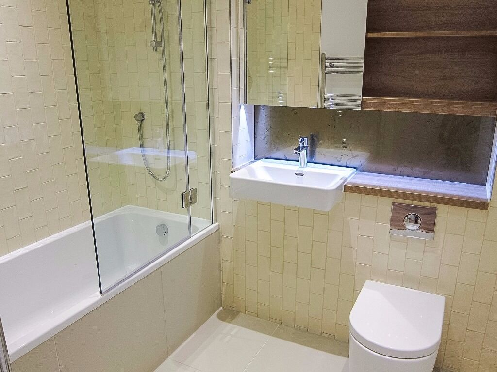 - Lovely 3 bedroom UNFURNISHED property s available NOW in Kidbrooke Village-