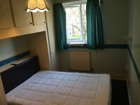 GOOD SIZE DOUBLE ROOM AVAILABLE NOW IN PUTNEY HEATH,ALL BILLS INCLUSIVE