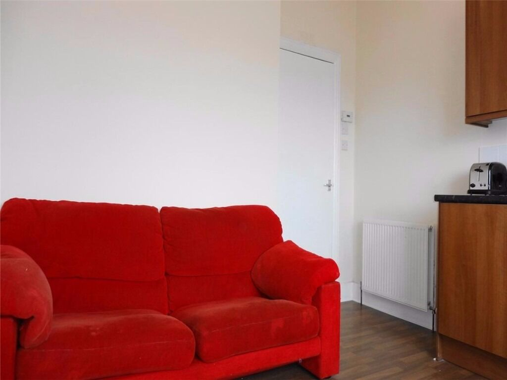 AM PM ARE ARE PLEASED TO OFFER FOR LEASE THIS LOVELY 1 BED PROPERTY- WALKER ROAD- ABERDEEN- P1093