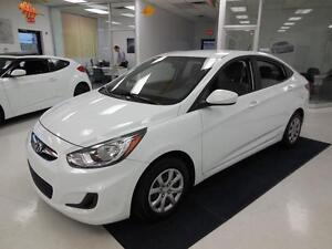 2012 Hyundai Accent GL 1.6L Berline/Sedan 39$/semaine West Island Greater Montréal image 3