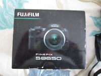 Fuji Finepix S8650 Camera