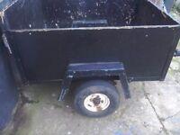 A handy car trailer 4feet x 3feet good tyres rear lightes
