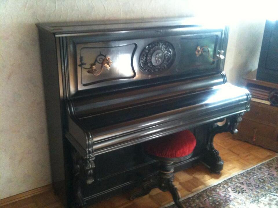 Klavier Manufaktur Ed. Steingraeber Bayreuth über 130 Jahre alt! in Wenzenbach