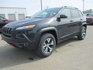 2016 Jeep Cherokee TRAILHAWK 4X4 V6 ROOF /NAV / SAFETY / TECH /