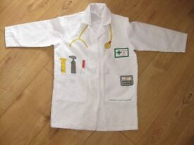 ELC DOCTORS LAB COAT for approx 3-6 year old PERFECT CONDITION FAB for dressing up / pretend play *2