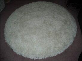 White 5ft circular rug
