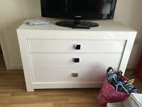 Glossy white chest of drawers - NEED GONE URGENTLY