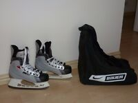 Bauer ice skates size 5 with bag