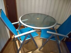 Large table + 4 Chairs / outdoor dining setting / patio / garden