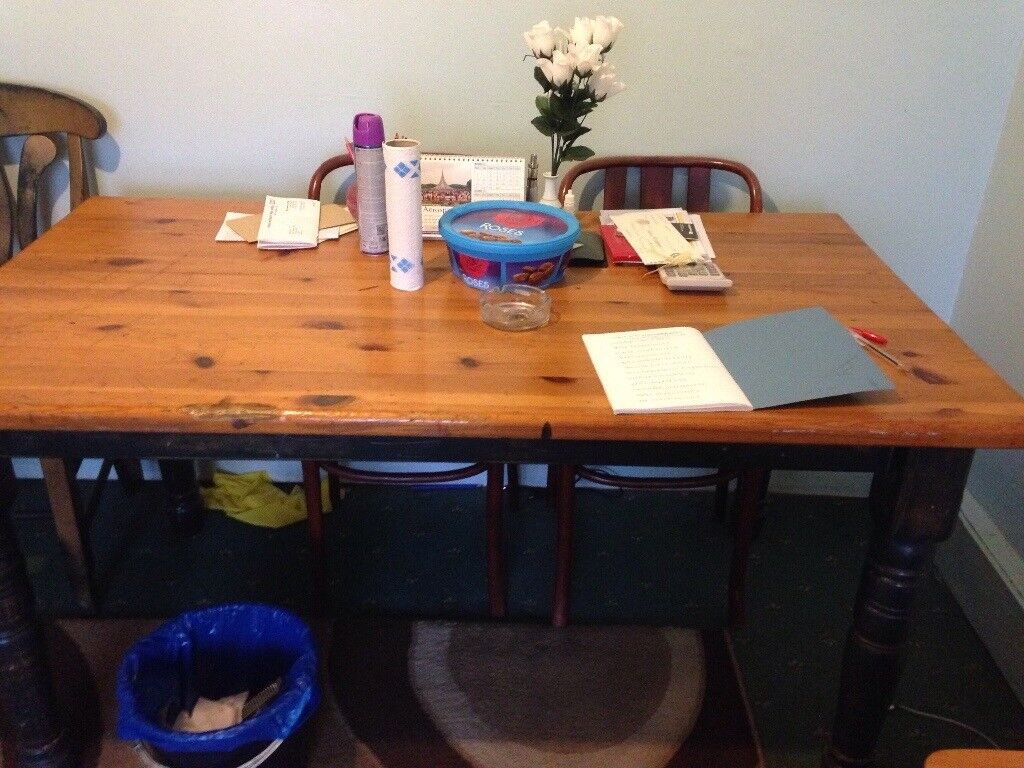 Oakwood table and chairs