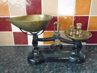 Vintage Libra Kitchen Scales with Set of Vintage Brass Weights in good condition