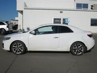 2010 Kia FORTE KOUP 2.4L SX **great shape**