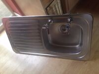 stainless steel kitchen sink with flexi pipe connectors