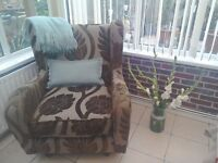 Beautiful DFS feature chair