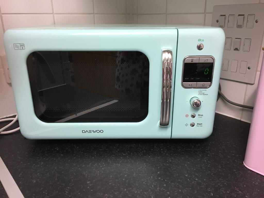 Daewoo retro mint green microwave | in Stoke-on-Trent, Staffordshire