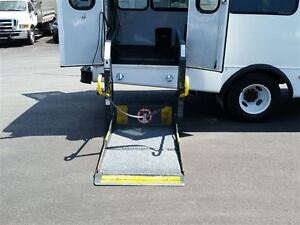 2006 GMC Savana 3500-HANDI-CAP VAN-POWER WHEEL CHAIR LIFT Belleville Belleville Area image 14
