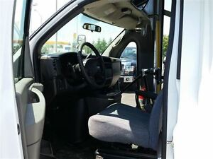 2006 GMC Savana 3500-HANDI-CAP VAN-POWER WHEEL CHAIR LIFT Belleville Belleville Area image 9