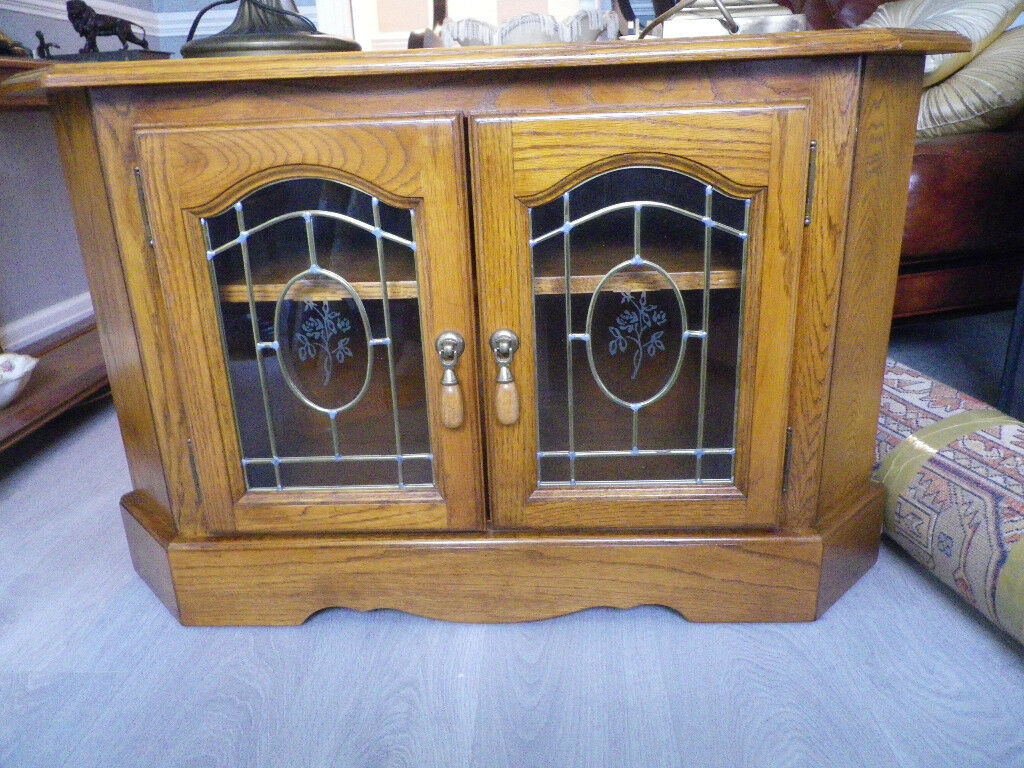Vintage Oak Corner TV Unit with leaded glass doors