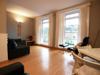 Stunning & modern second floor 1 double bedroom flat with bamboo wooden flooring&natural light in FB