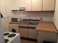 WEST END 3/4 BEDROOM FLAT TO LET