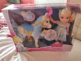 Cinderella carriage and horse set
